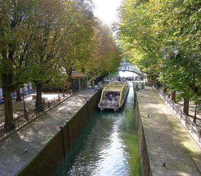 ccommons-Mbzt-P1040705_Paris_X_canal_Saint-Martin_rwk