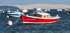 Permis Bateau Bordeaux ccommons-GrandParc-Bordeaux-Bateau_sur_le_bassin_d'Arcachon_-_Barco_en_la_bahía_de_Arcachon_-_Boat_on_the_Bay_of_Arcachon-_Image_Picture_Photography_-bandeau